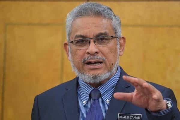 """Kesilapan PH adalah kerana kekal """"rapuh di tengah"""" – Khalid Samad"""