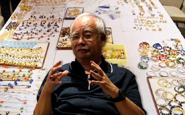 Najib hanya cerita bantu orang miskin, dia tak cerita belanja mewah untuk isteri