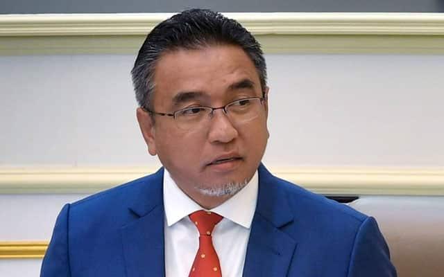 Kedudukan KM Melaka perlu dibuktikan melalui usul undi percaya – Adly Zahari