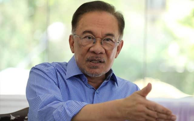 Gempar !!! Anwar sudah dapat 10 sokongan ahli parlimen Umno, dakwa sumber