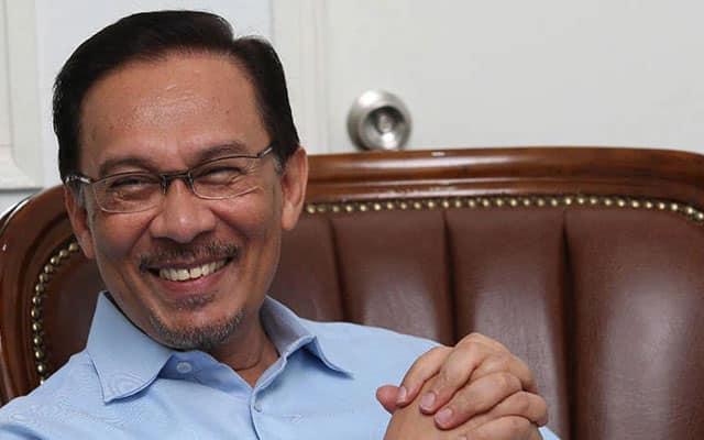 Dua MP PKR melompat masih tidak cukupkan nombor sokongan Muhyiddin – Anwar
