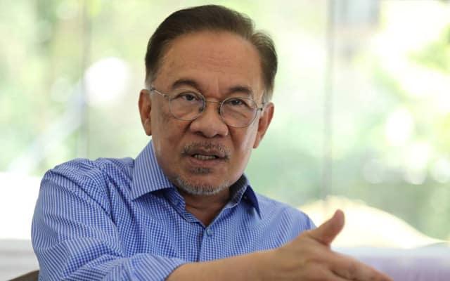 Anwar tuntut siasatan bebas bawah parlimen terhadap 'Vaksin Yang Lembab'