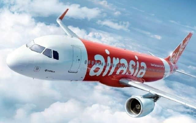 Krew AirAsia kecoh bila lelaki menjerit dan berbogel dalam pesawat