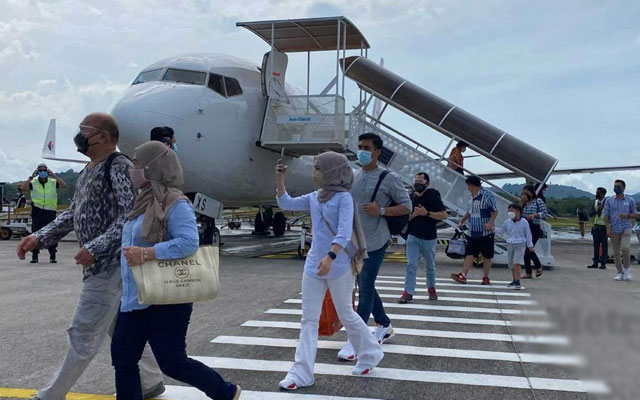 Langkawi kembali sibuk, lapangan terbang dipenuhi orang ramai